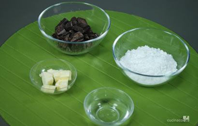 glassa-al-cioccolato-ingr
