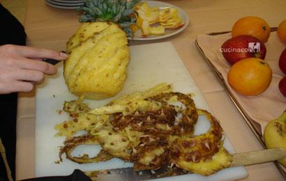 taglio dell'ananas