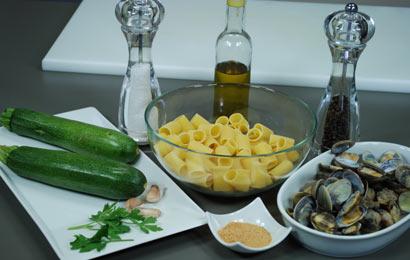 mezze-maniche-zucchine-e-vongole-ingr
