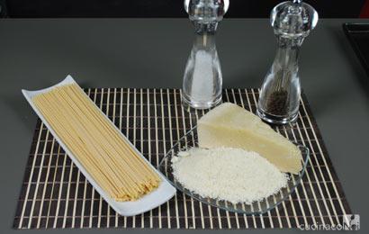 spaghetti-cacio-e-pepe-ing
