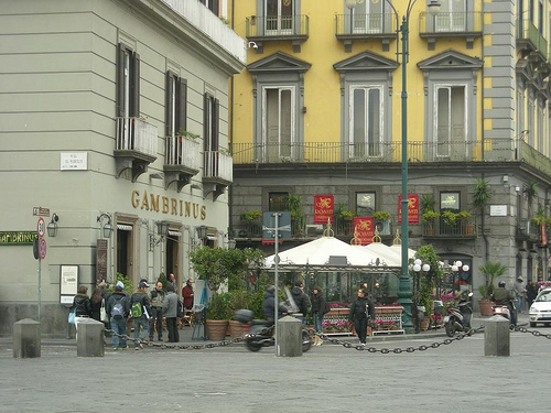 gambrinus-visto-da-piazza-plebiscito
