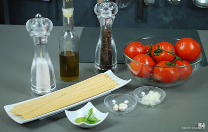 Spaghetti al pomodoro fresco - Ingredienti - Cucina Con Noi